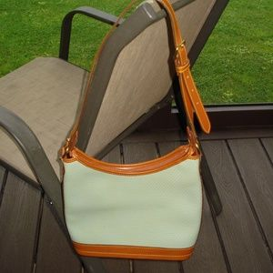 Dooney & Bourke Bags - Dooney and Bourke pale green purse...NEW